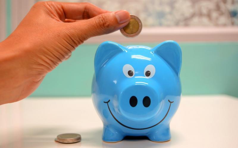 Hvordan bruke mindre penger